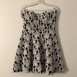 Bebe Black White Rose Floral Strapless Lace Dress